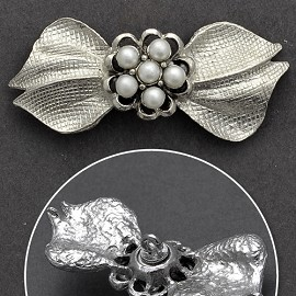 Leaf Pearl Button with Shank, FF-ORN-374